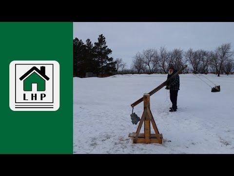 Improvised Christmas DIY Trebuchet- LHP