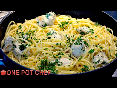Easy Chicken Alfredo Pasta | One Pot Chef
