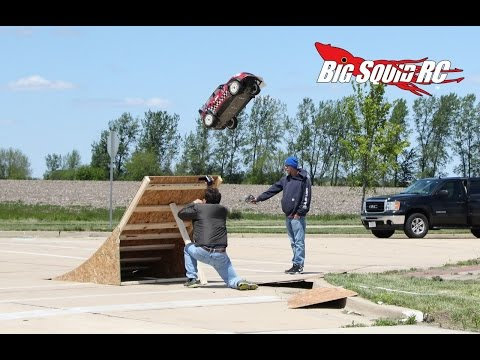 Record Breaking RC Long Jumps - Big Squid RC