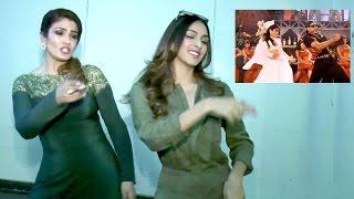 Raveena Tandon Dancing On Akshay Kumar