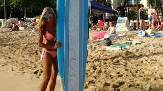 !!! SURFING ON THE FAMOUS WAIKIKI BEACH !!!