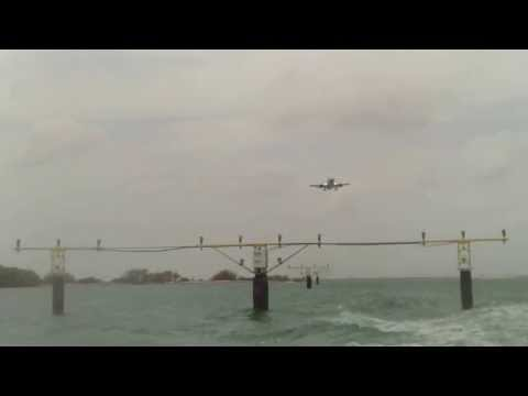 Jumbo Jet Fly Over - Aruba