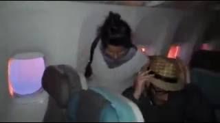 Detik-detik Mengerikan Saat Pesawat Singapore Airlines Terbakar Terekam Kamera Penumpang