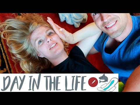 DAY IN THE LIFE OF A MOM WHEN SHE STARTS HER PERIOD!!