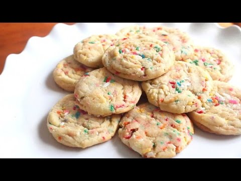 Vanilla Pudding Sprinkle Cookies | SweetTreats