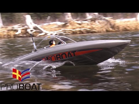 Pro Boat Jet Boat in Scale Town - RC CWR