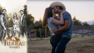 Uriel le declara su amor a Alejandra | En tierras salvajes  - Televisa