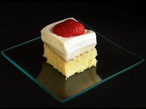 Pudding Poke Cake