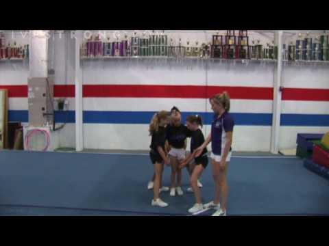 How to Do Shoulder Height Stunts in Cheerleading