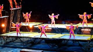 Bouncing acrobats at the circus, plus the finale 10/01/2011