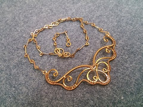Wire necklace inspired by butterfly wings - How to make wire jewelry 217