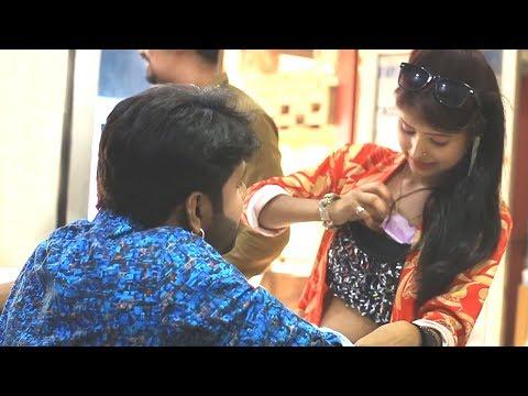 Xxx Mp4 सुपरस्टार समर सिंह को लड़की ने क्या दिखाया देखे विडीयो में Watch Full Video 3gp Sex