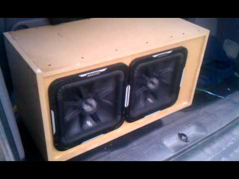 2 kicker L7 sealed box 1000watt amp