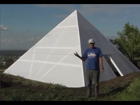 A Russian guy built a pyramid for his wife