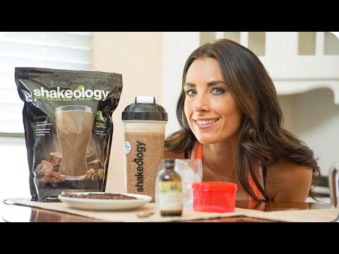 How to Make Healthy Chocolate Mocha Shake—Shakeology Recipe | Autumn Fitness