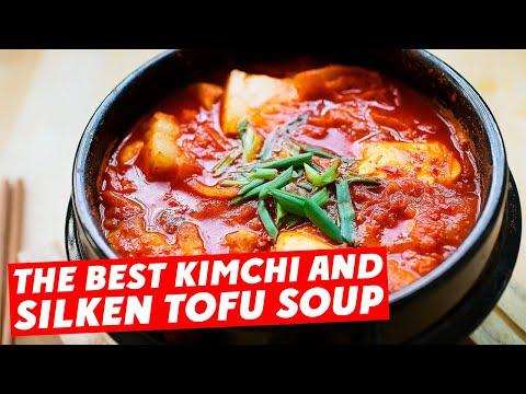 Kimchi Tofu Soup - 泡菜豆腐汤