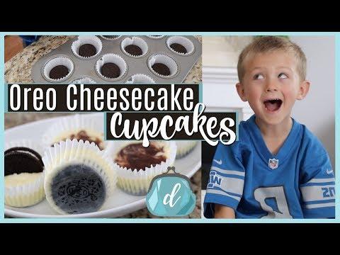 Oreo Bottom Cheesecake Cupcakes! 💙 #COOKINGWITHCARSON