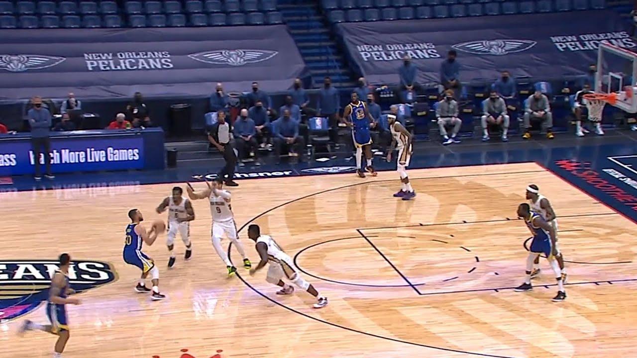 Stephen Curry Making 3 Defenders Jump At His Pump Fake