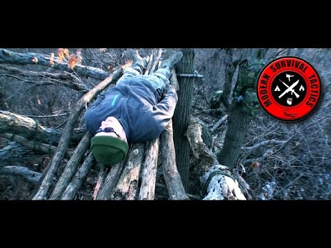 Effective and safe sleeping platform / TREE SHELTER