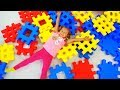 Download Diana Pretend Play with Building Block Toy MP3,3GP,MP4