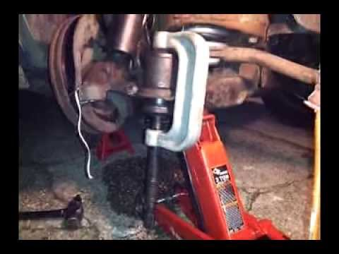 How To Use a Ball Joint Press Tool / Install , press in lower ball joint , remove truck dodge chevy