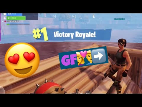 BEST FORTNITE MOBILE MOMENTS: WINNING FORTNITE WITH MY GIRLFRIEND!