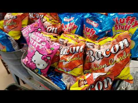 PEANUT BUTTER SODA?? BACON COTTON CANDY? TRIP TO THE CANDY STORE!