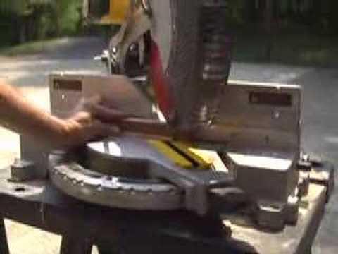 CUTTING SMALL TRIM MOLDING WITH DEWALT MITRE BOX