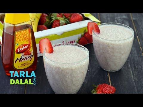 Strawberry Banana Smoothie/ How To Make Strawberry Banana Milkshake Recipe by Tarla Dalal
