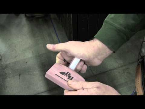 How to use a scratch box turkey call