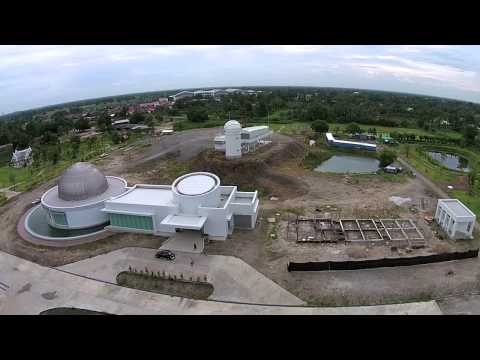 DJI Phantom 2 Vision Plus fly over and around The Observatory
