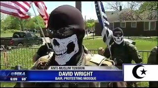 Armed Anti-Muslim Protesters against Mosque in Dallas Texas