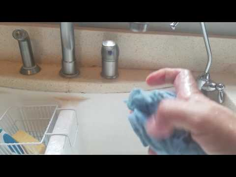 Cleaning the microwave vent