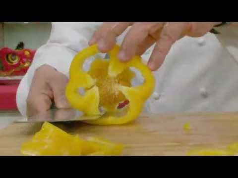 Martin Yan Chop bell peppers like a champion.flv