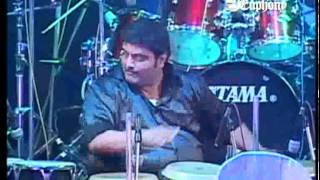 Nitin Shankar demonstrating LIVE the famous 32 matra beat from film Manoranjan