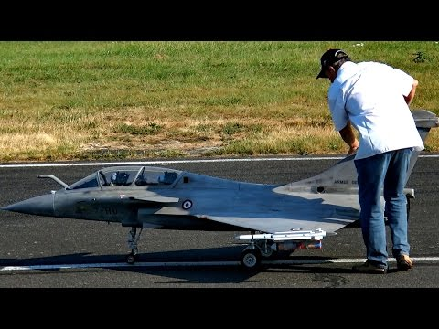 GIANT RC DASSAULT RAFALE SCALE MODEL TURBINE JET FLIGHT AND TOUCH AND GO / Jetpower Fair 2016