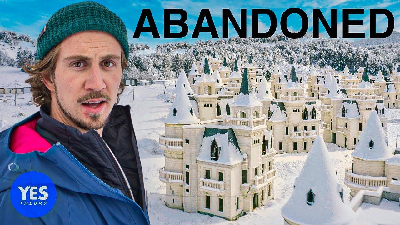 Exploring the $200,000,000 Abandoned Disney Castle Village (530 Castles)