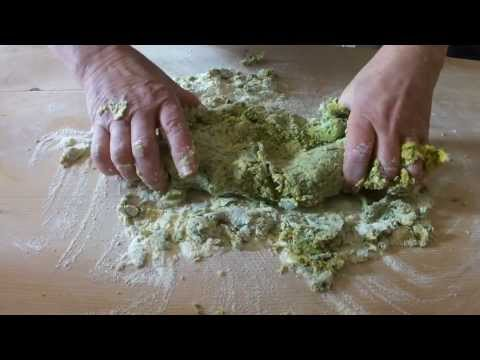 How to make fresh pasta - homemade spinach pasta - recipes with olive oil