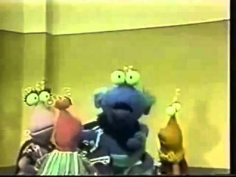 Sesame Street - TwiddleBugs FindADoor (Slow)