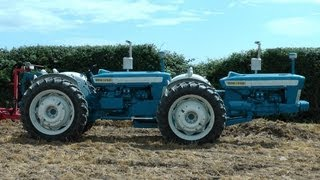 Rare Ford dual drive tractor working @ Fingal show 2013