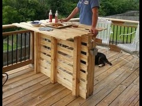 DIY Outdoor Pallet Bar Ideas