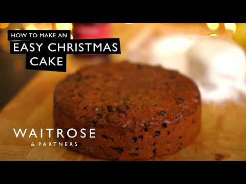 How to Make an Easy Christmas Cake | Waitrose