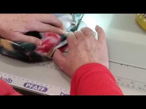 US6692 Onesie No.5 How to overlock the set in sleeve