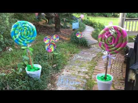 Lifesize Candy Land, outdoors