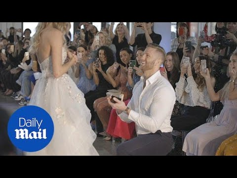 Man proposes to model girlfriend as she walks the runway - Daily Mail