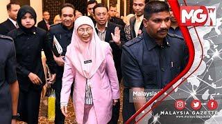 Terkini : Wan Azizah Lari Daripada Media! Selepas Kekalahan Ph Di Rantau