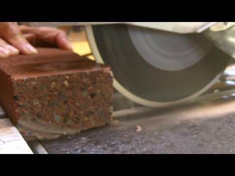 How to Cut a Brick With a Wet Saw