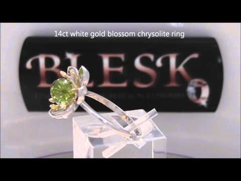 14ct WHITE GOLD CHRYSOLITE RING