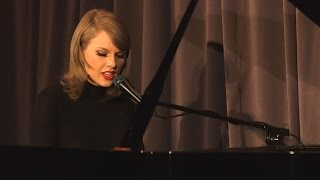 Taylor Swift Performs Stripped Down Version Of Out Of The Woods For 1989 Anniversary