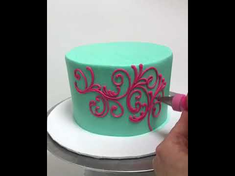 Buttercream LOVE: Scrolling and Roses